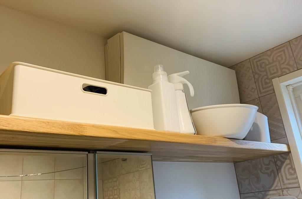 洗面所のオープン棚収納