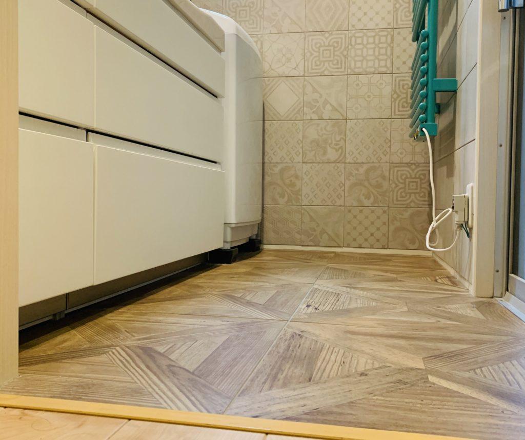 床がすっきりした洗面所