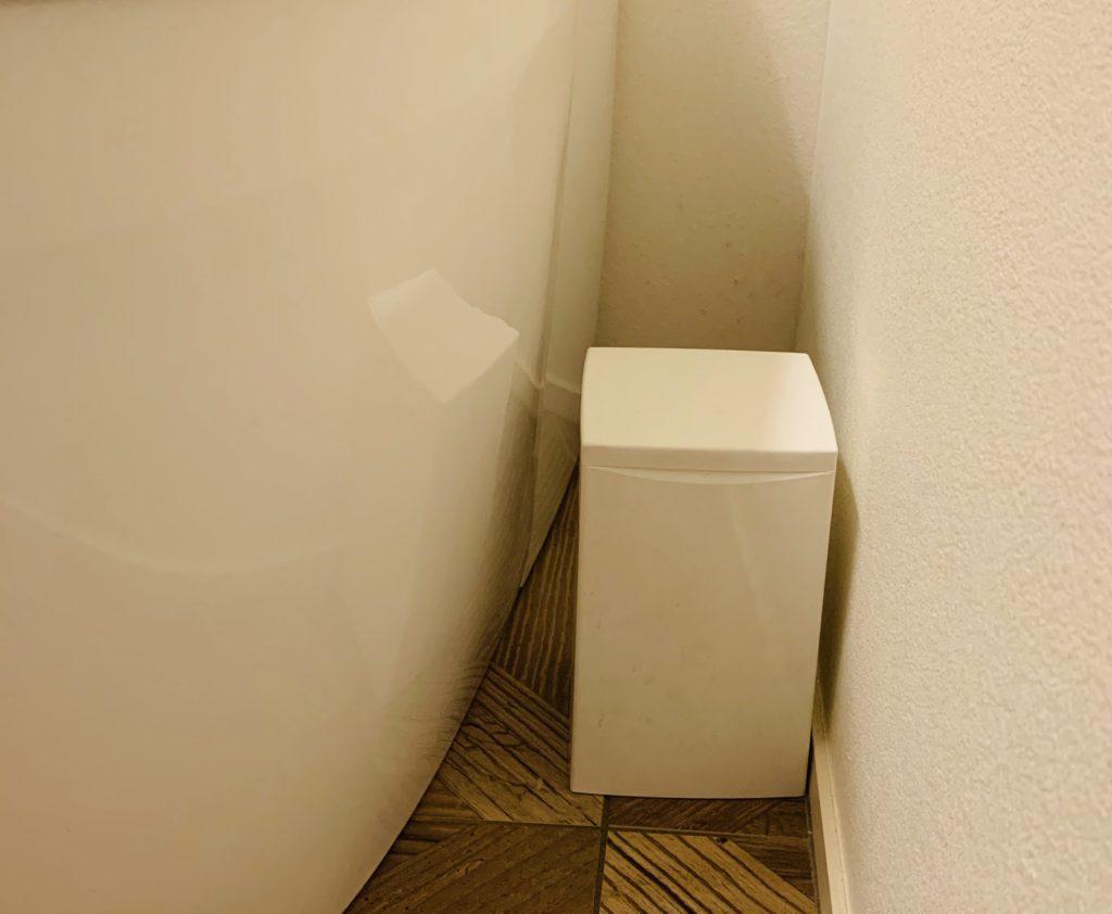 シンプルなサニタリーボックス