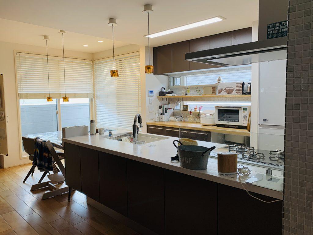 ダイニングと横並びのオープンキッチン