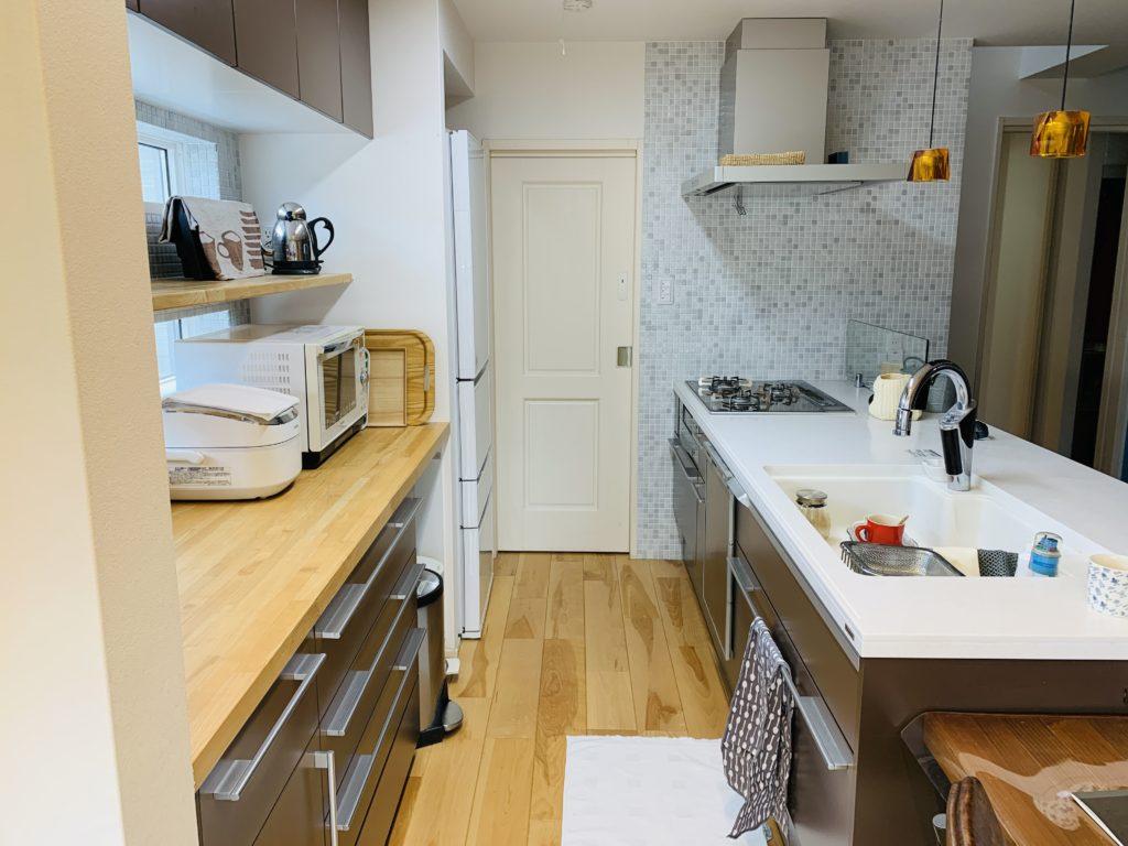 対面キッチンの通路スペース