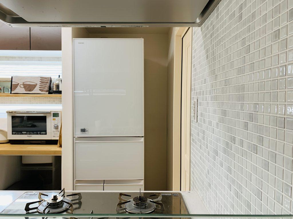 冷蔵庫と壁の隙間