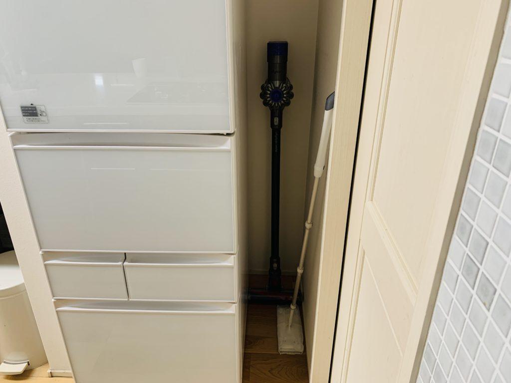 キッチンのスティッククリーナー置き場