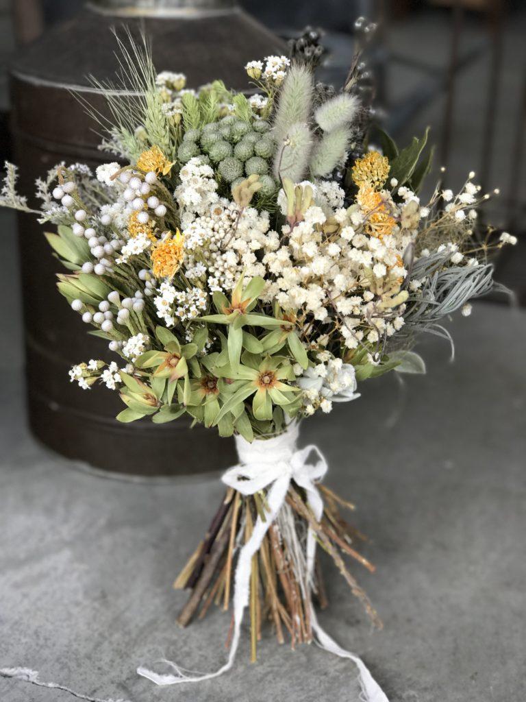 手軽に花を飾るコツ1.  日常の花は1〜2種類で充分。_1