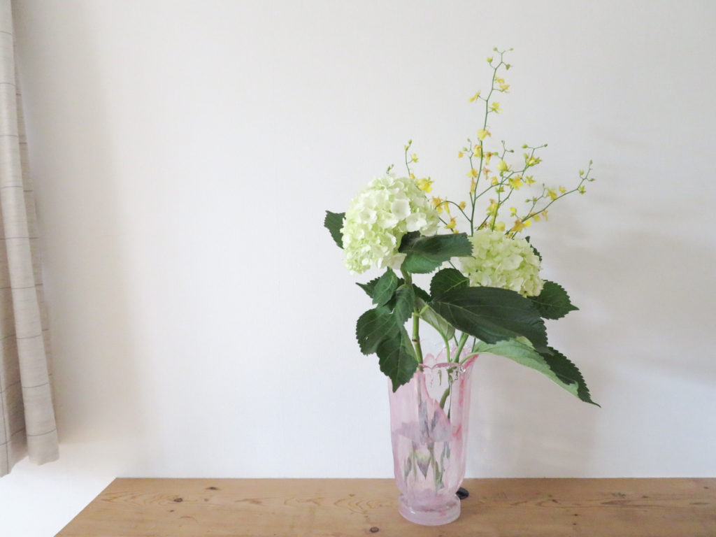おうち時間を彩る「花のある暮らし」