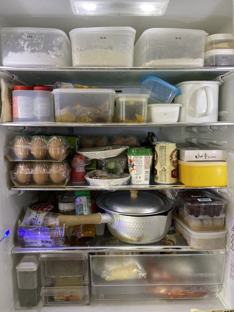 ぐちゃぐちゃの冷蔵庫