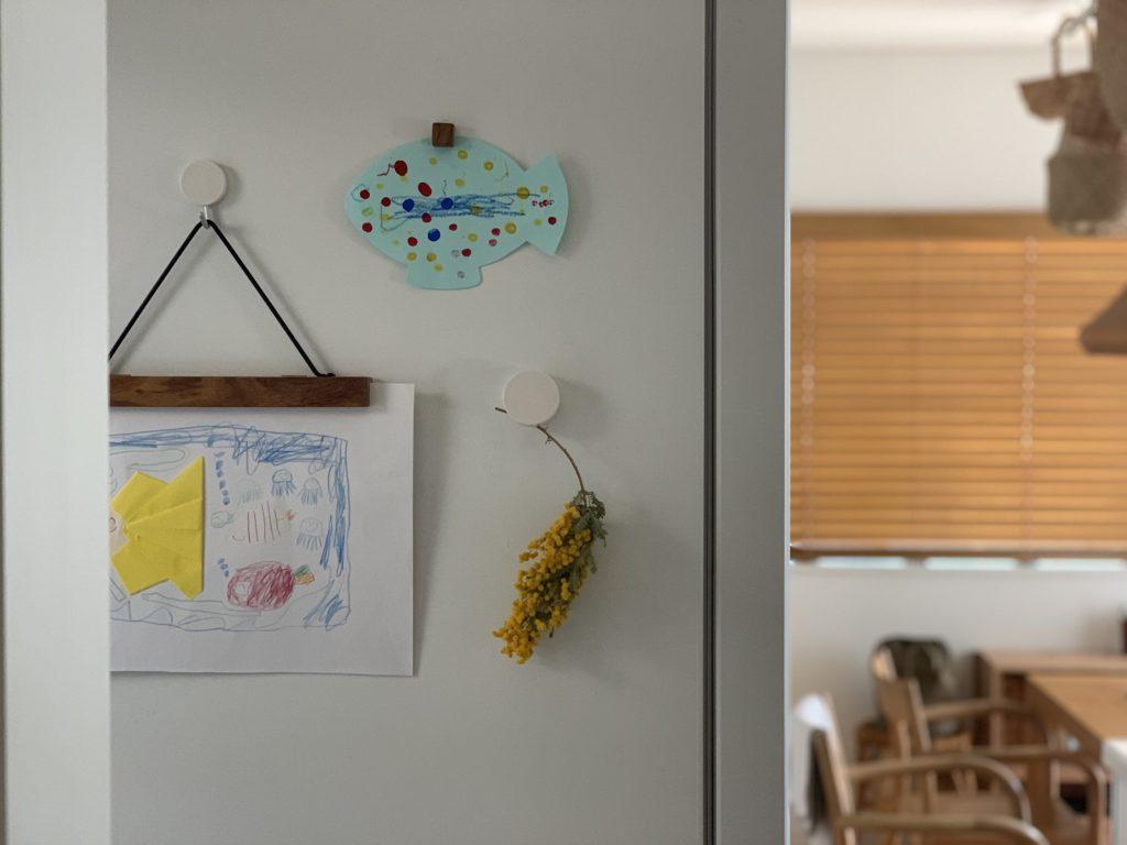 アンジェ,ウッドバインダーL,無印良品,マグネット付クリップ,まずは飾る、そのための場所をつくる