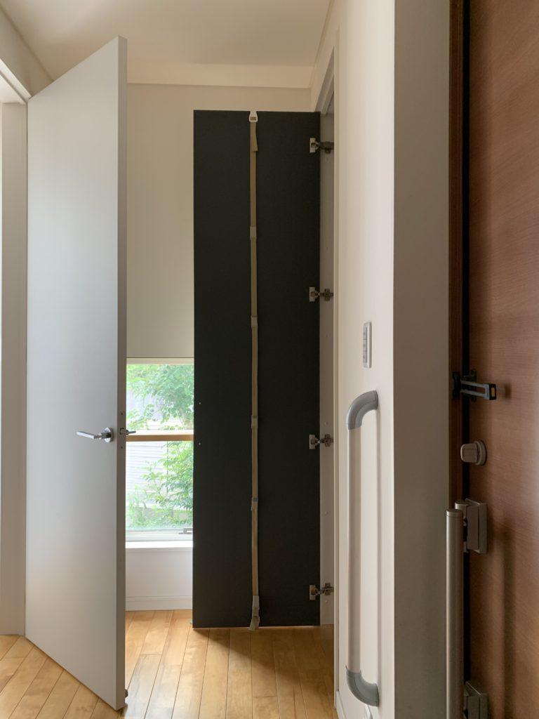 ファッション小物は玄関収納を活用するべし,ドアフック,玄関収納