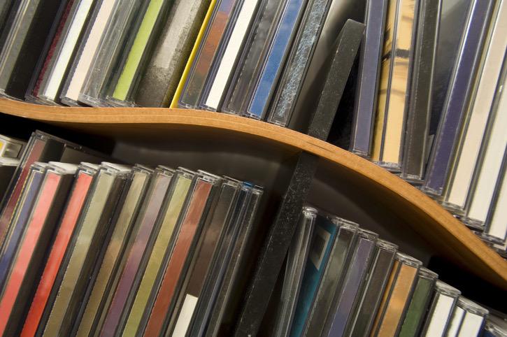 CDの収納棚